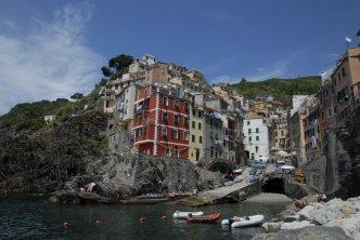 Riomaggiore-main-bay