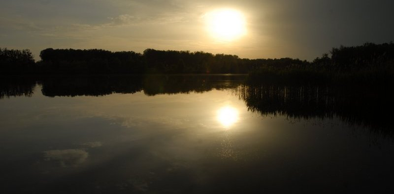 sunset-over-the-Buddha-Lake-in-Loewenberger-Land